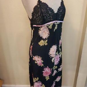 Oscar de la Renta Sleepwear Intimates & Sleepwear - Oscar De La Renta Pink Label Floral Night Gown